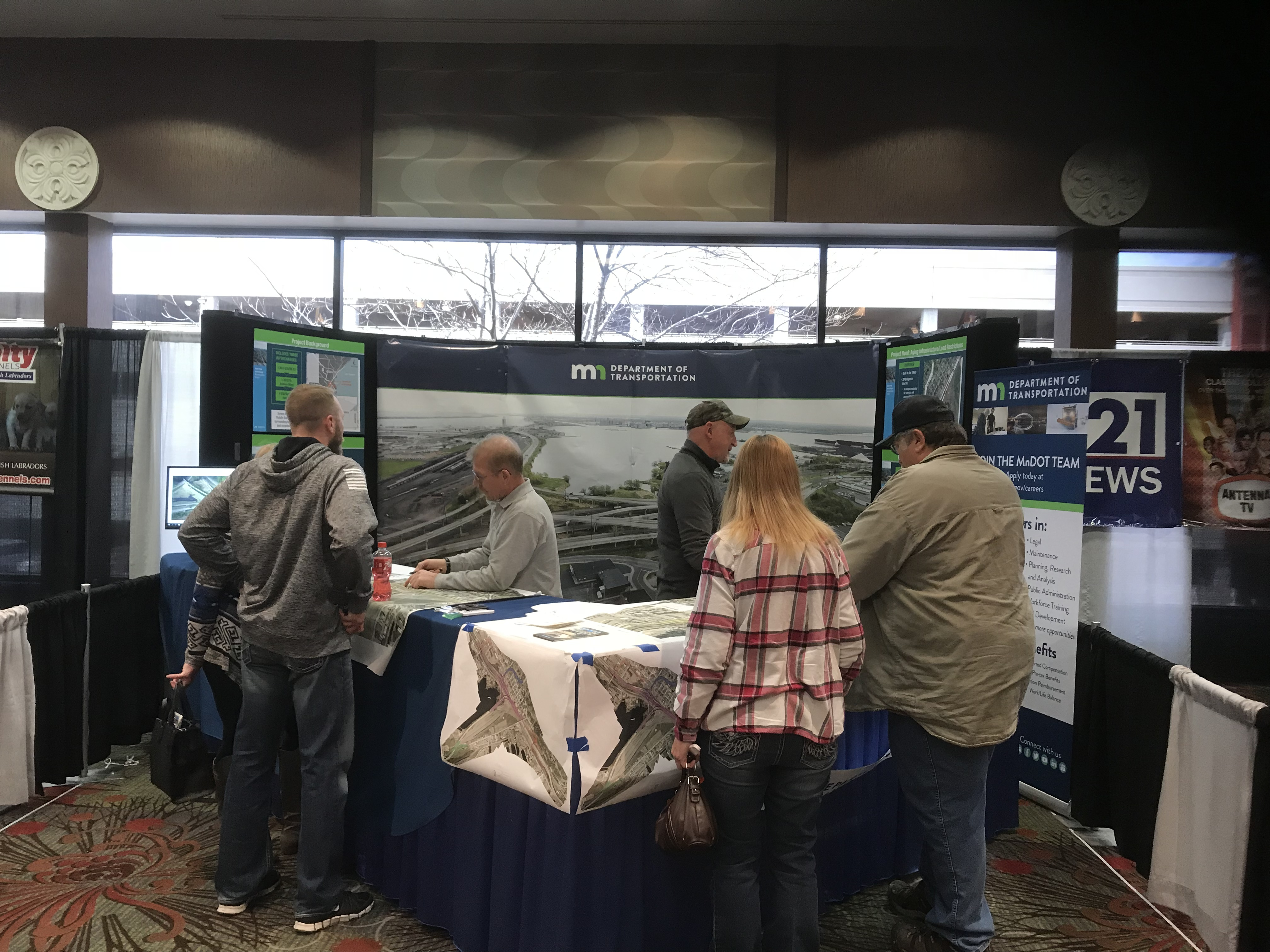 "MnDOT employees met with visitors of the ""Arrowhead Home & Builder Show"" from April 4-8, 2018.  MnDOT employees presented the current Twin Ports Interchange concepts and listened to many people's ideas for the new Interchange."