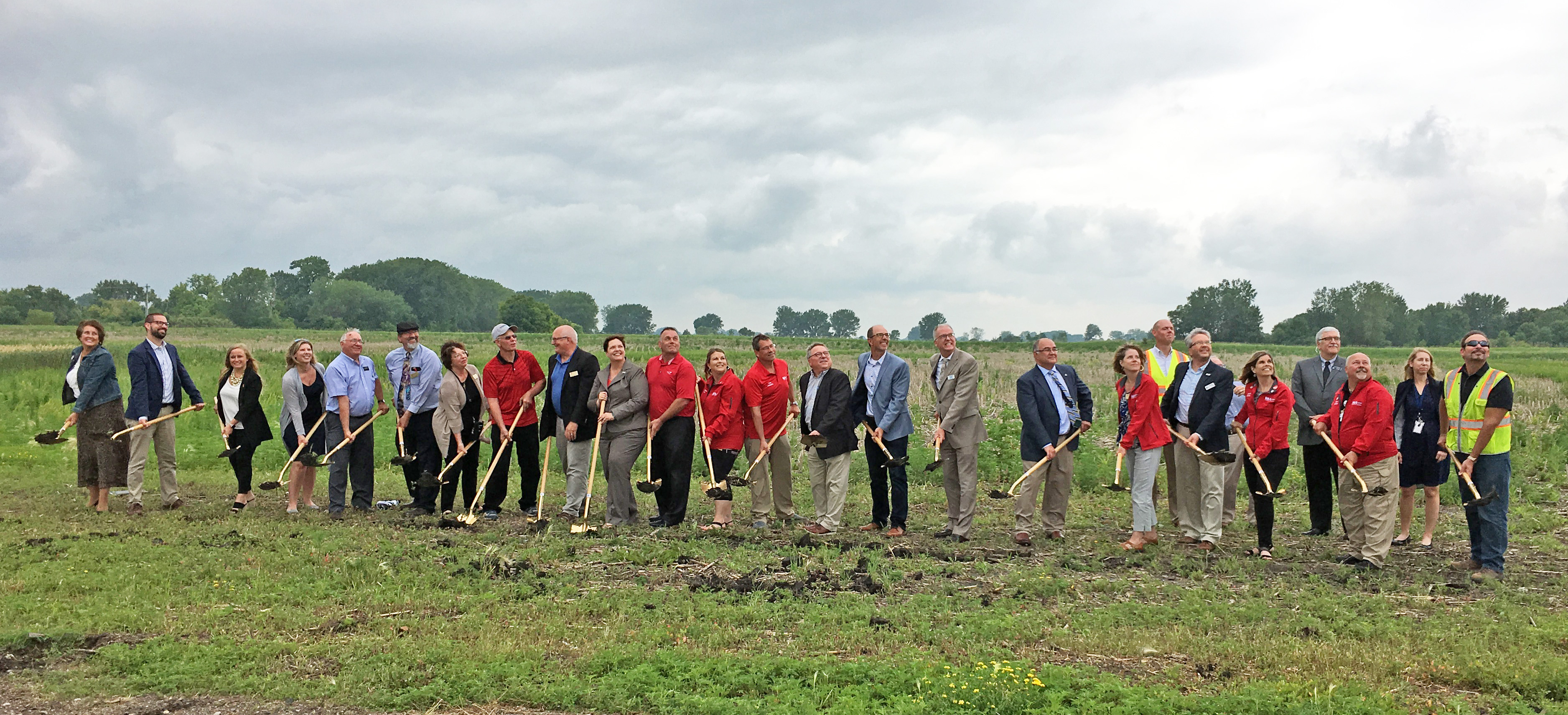 Willmar Wye groundbreaking with shovels