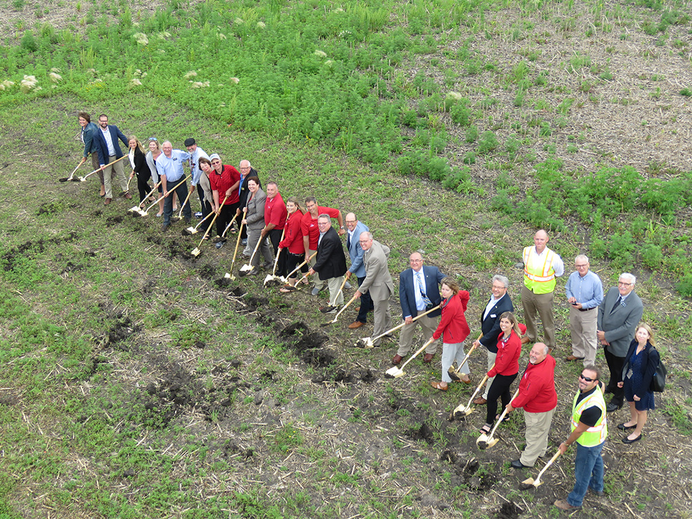 Willmar Wye Groundbreaking Ceremony with shovels